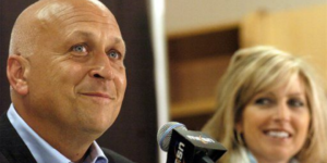 Cal and Kelly Ripken during a press conference in 2007.Courtesy of MASN