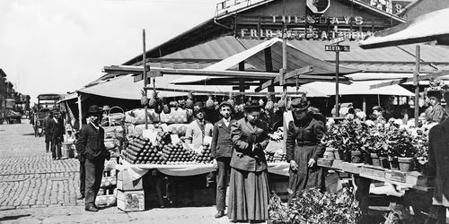 Lexington Market, 1850Courtes of Library of Congress, Prints & Photographs Divisions, [LC-USZ62-15860]