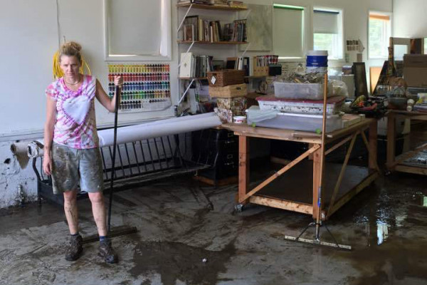 Dee Cunningham cleaning up in her studio.Photography by Wendy Appleby