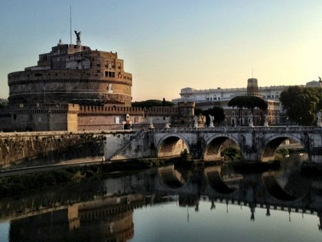 Sunrise on the Tiber.